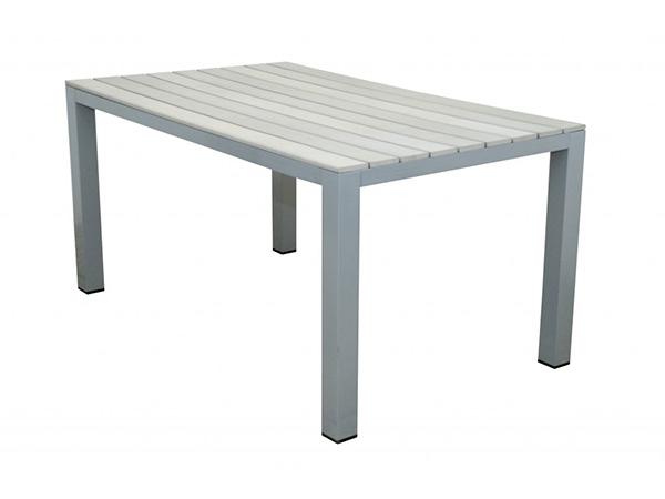 zahradni-stůl-dřevo-hlinik